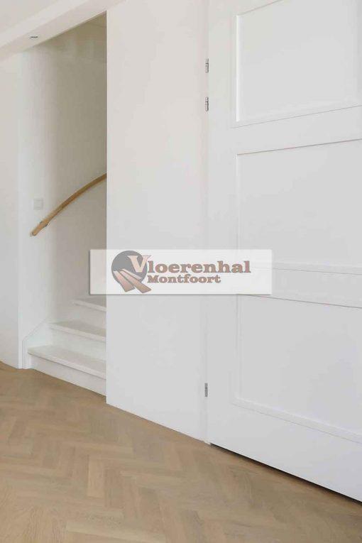 Vloerenhal Montfoort houten vloer in de gang