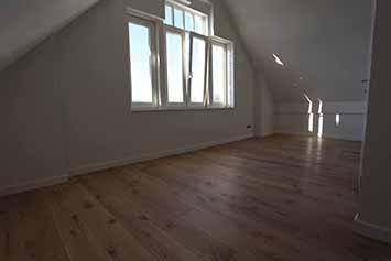 Vloerenhal Montfoort zolder met houten vloer